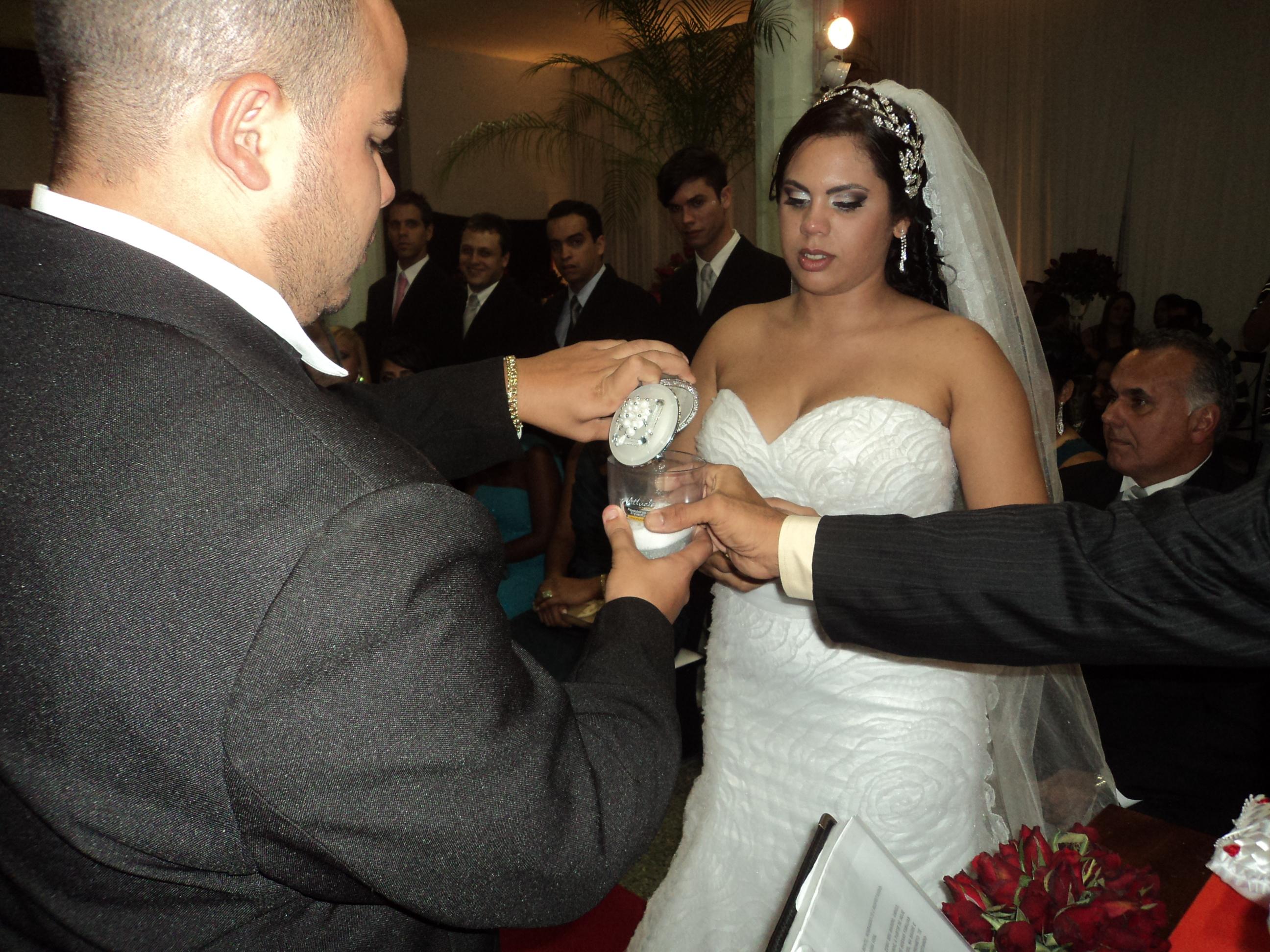 Fotos de alguns momentos do  casamento de Clayton e Bruna.