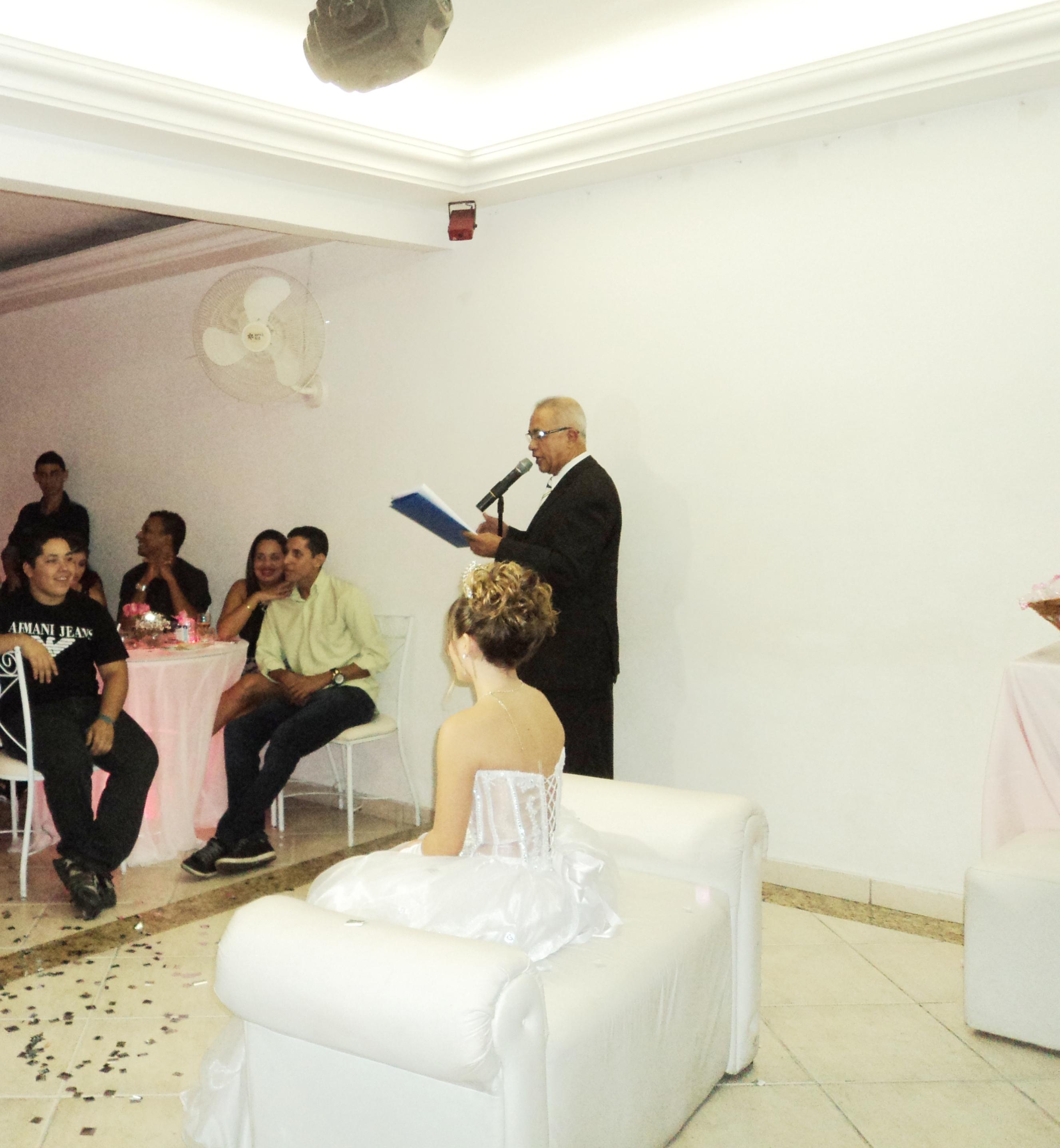 Na foto Túlio de Pinho apresentando o cerimonial.