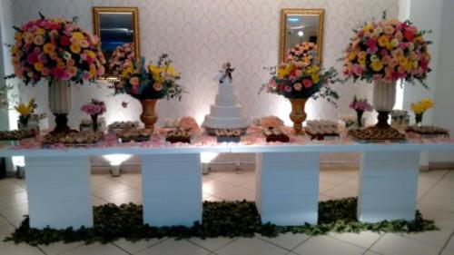 foto da mesa do bolo,19.5.18, Marcos e Cátia