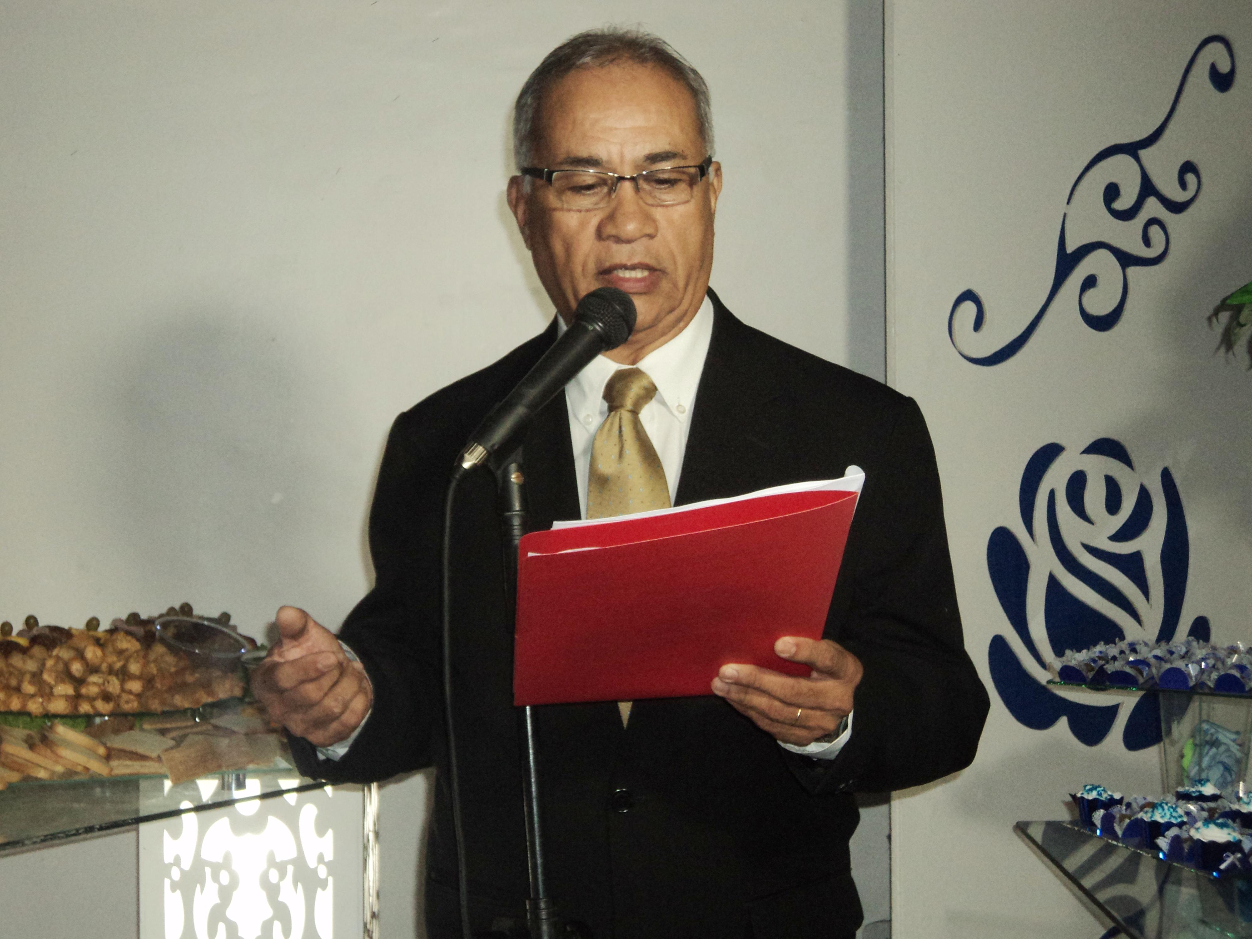 Foto de Túlio apresentando o cerimonial da Mariane.