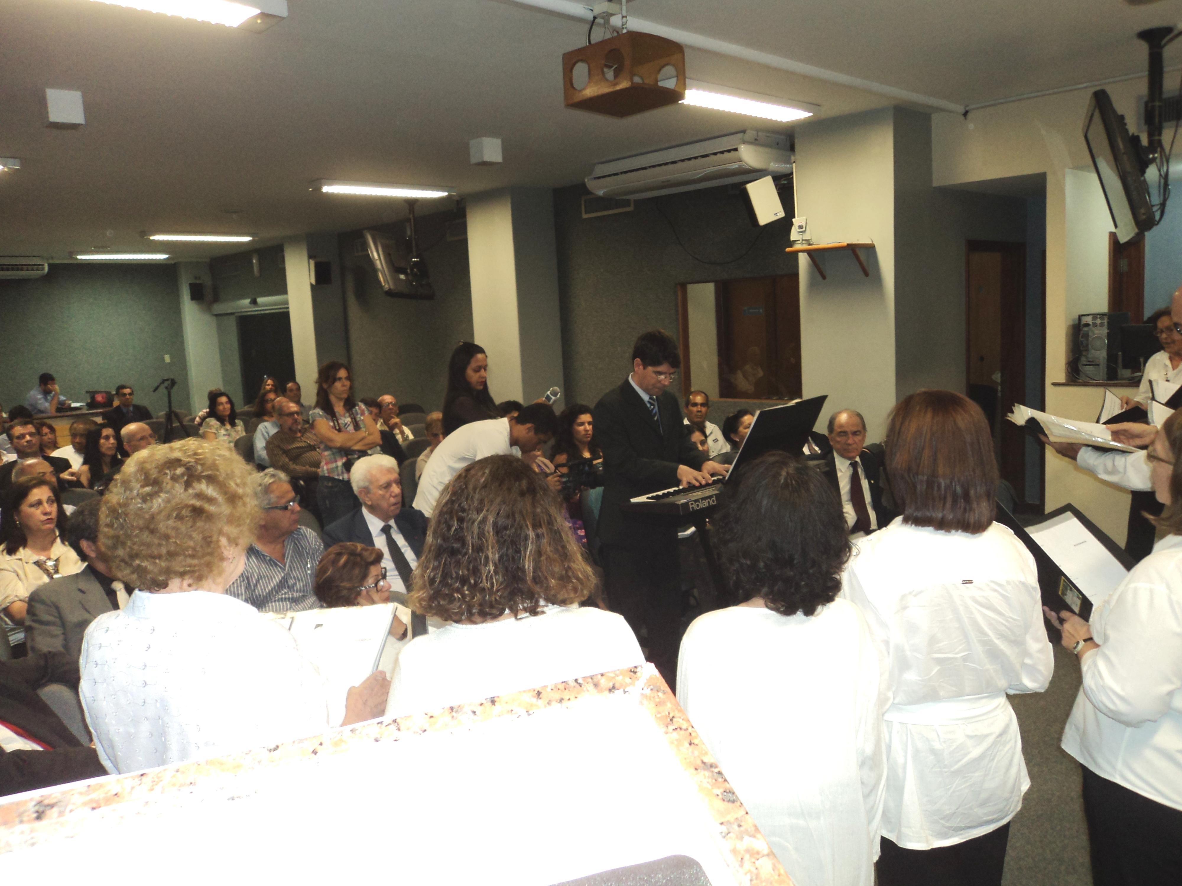 foto do auditorio evento CREA-RJ 17.12.13 apresentação coral