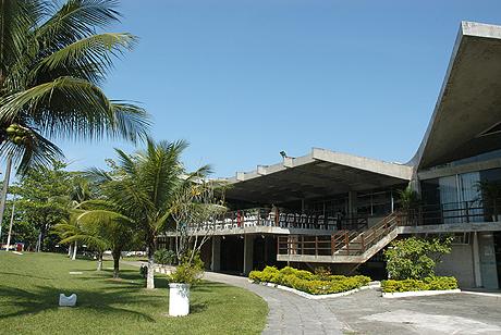 Fachada do Clube dos funcionários do BNDS na Barra da Tijuca-RJ