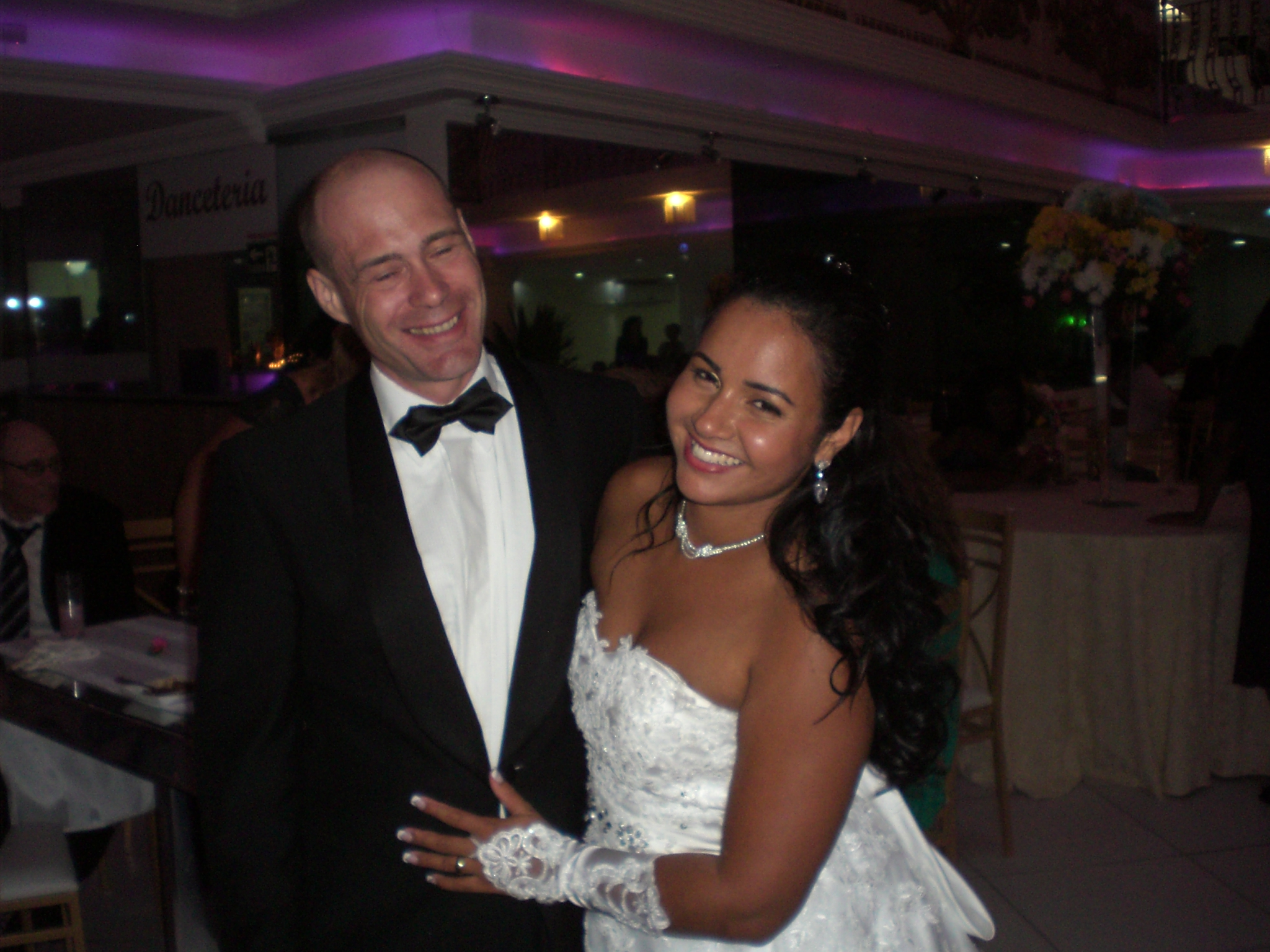 Os noivos Hogen e Caroline.