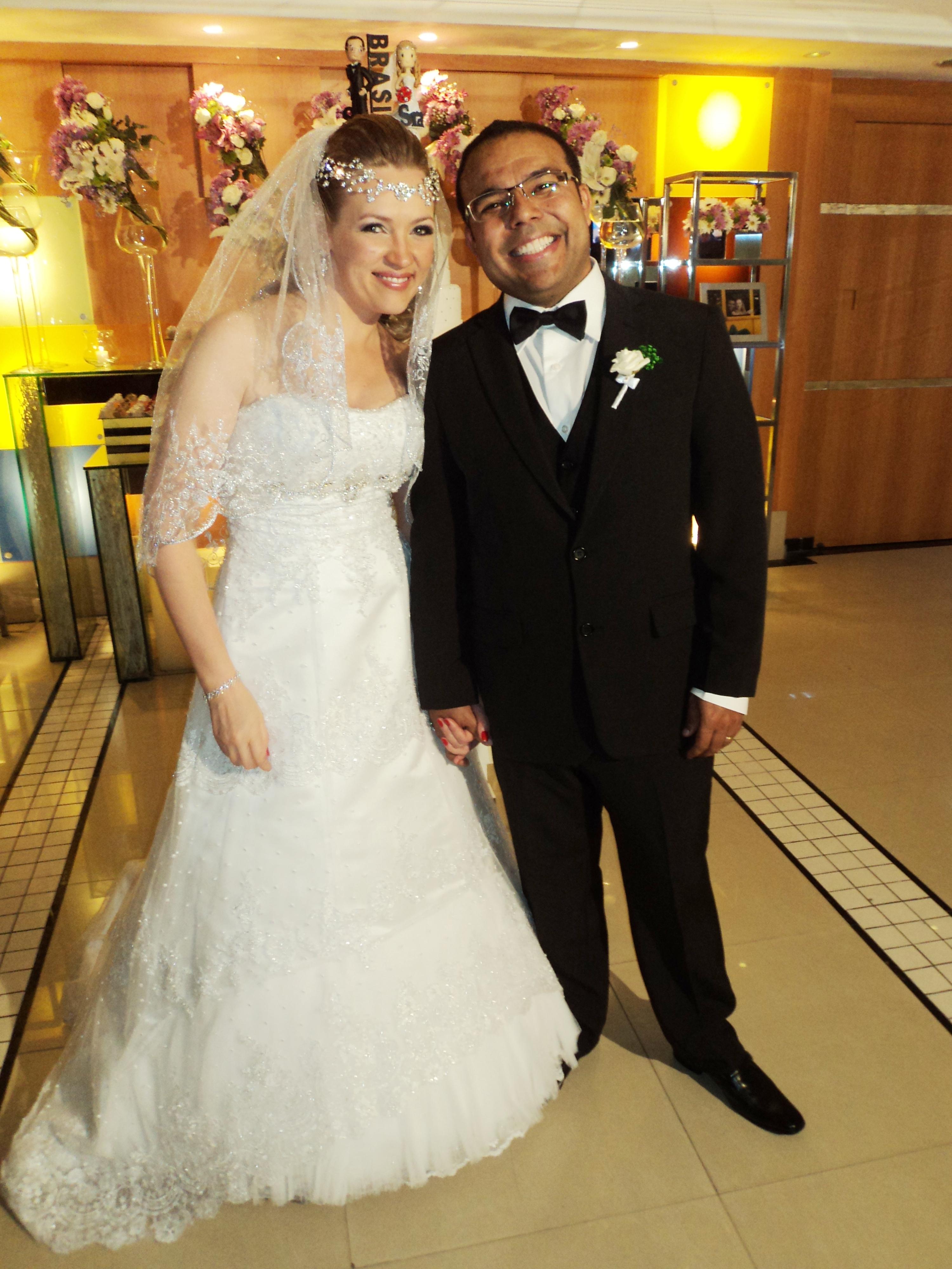 O bonito casal de noivos Viviane e Marco