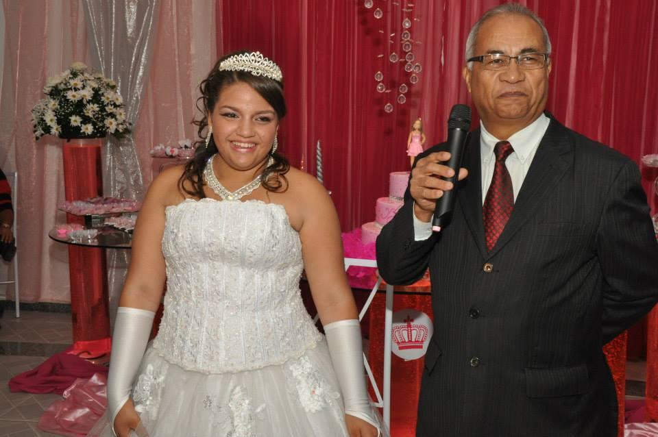 Foto Tulio em momento de bom humor no cerimonial de Ana Beatriz