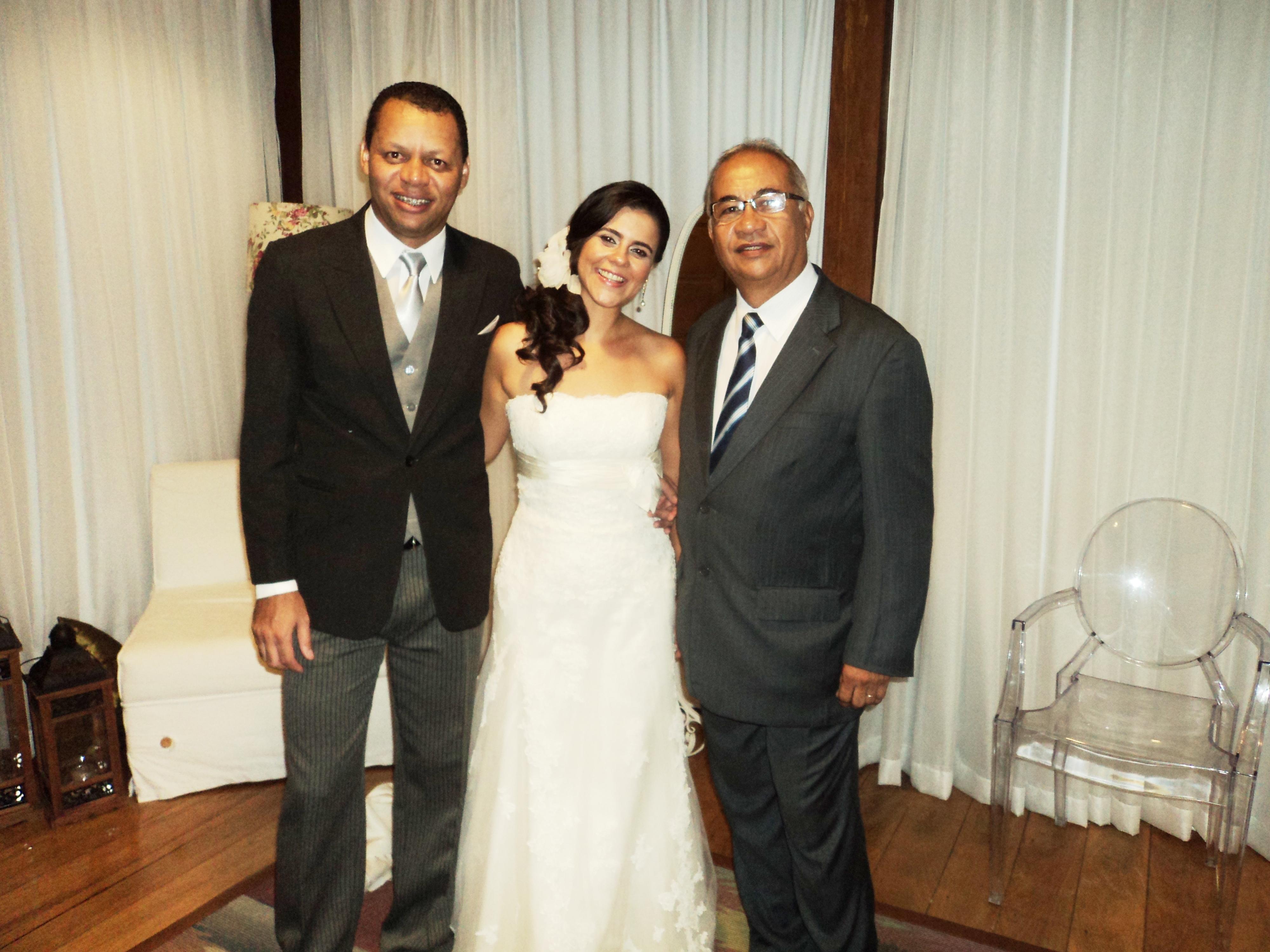 foto Túlio com noivos Cristiano e Priscilla
