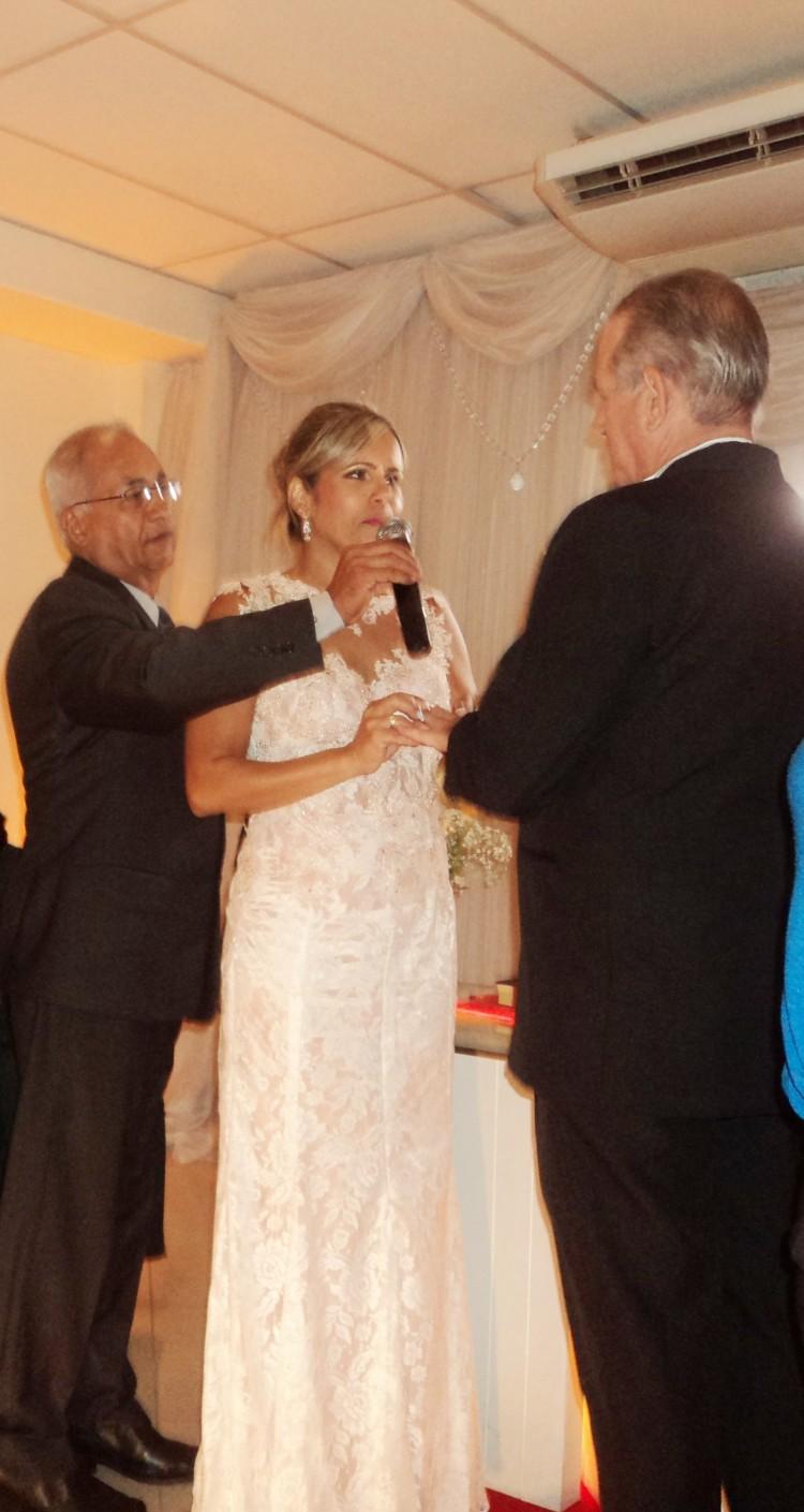 foto do momento dos votos da noiva Luzimar, 10.1.15
