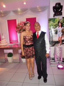 Na foto a linda debutante Ana Luisa com Túlio de Pinho.